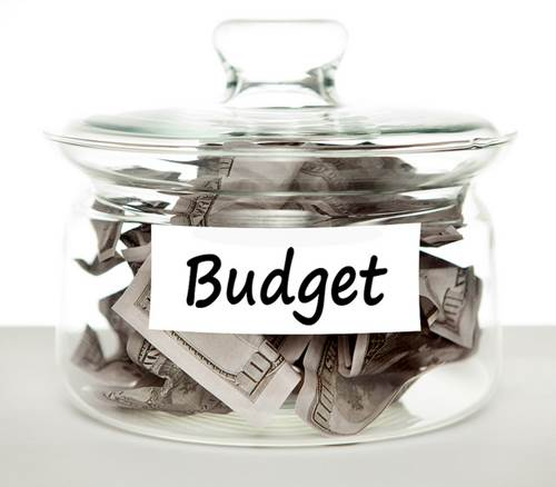 Five Ways to Trim Your Budget while Unemployed 1