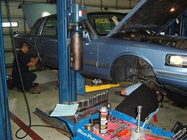 How to Prepare Yourself for a Career in the Auto Trades